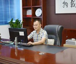 董事长-杨靖