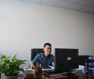 生产部总监-李总